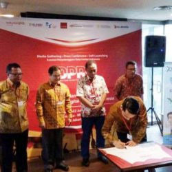Elitery CEO signing commitment letter to establish Indonesia Data Center Provider Organization (IDPRO)